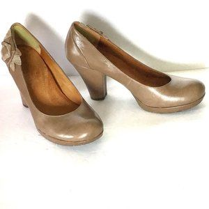 "Anthropologie Naya Bakula Taupe 8.5 pumps 4"" heel"